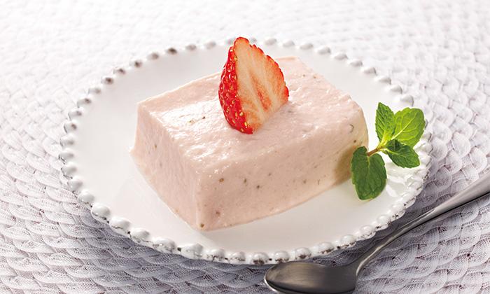 濃厚!クリームチーズといちごで作るストロベリーレアチーズケーキ