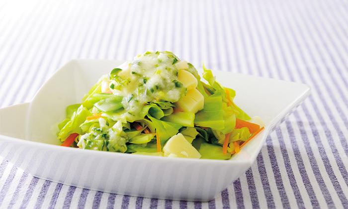ピーマンがドレッシングに!?野菜がたっぷり摂れるピーマンドレッシングのサラダ