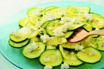 生でも美味しく。「生ズッキーニのサラダ」の簡単レシピ