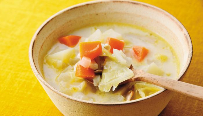 野菜たっぷりに味噌を加えた「ミルクスープ」のレシピ