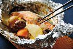 オーブンで作る「紅鮭さざ浪漬けのホイル焼き」レシピ