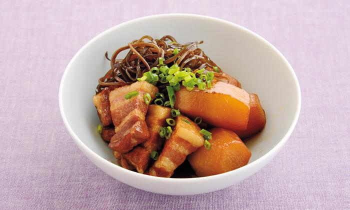 冬に向けてパワーを補う根菜「里芋と豚ばら肉の炒め煮」
