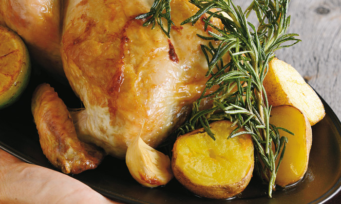 自宅パーティに「クリスマスのチキン料理」レシピ4選