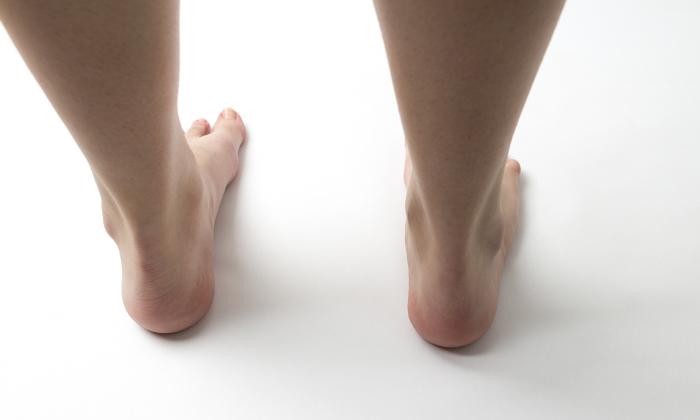 自分でできる足裏マッサージ術。足裏と内臓の関係