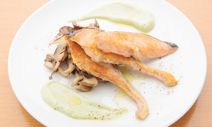 秋鮭ときのこのソテーアボカド豆腐ソースのレシピ
