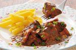 牛肉をビールで煮込むベルギー料理「カルボナード」のレシピ