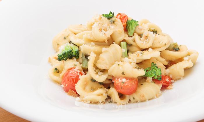 ブロッコリー、ミニトマト、アンチョビのオレキエッテ プーリア風のレシピ
