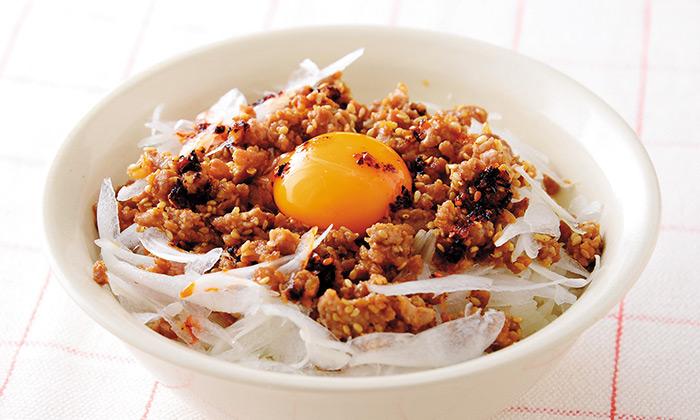 新玉ねぎのスタミナどんぶりの作り方(レシピ)
