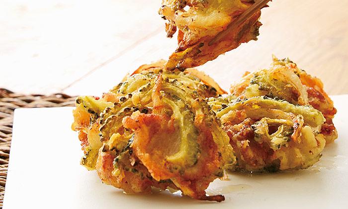 苦味も美味しい「ゴーヤの酢漬けと豚肉のかき揚げ」のレシピ
