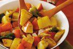 じゃがいもたっぷり!「りんごと根菜のサブジ」のレシピ(作り方)