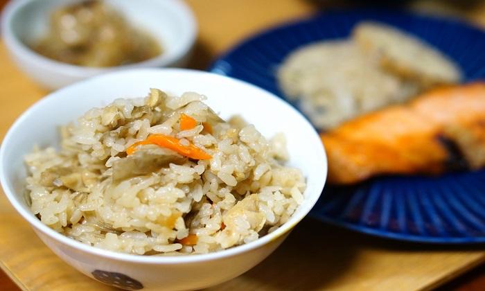 簡単!楽ちん!おかず要らず!野菜を使った炊き込みご飯のレシピ3選