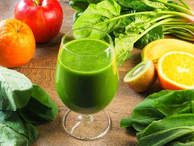 調味料代わりに野菜ジュース!野菜ジュースを使った「鶏肉ときのこのスープ煮」の作り方(レシピ)