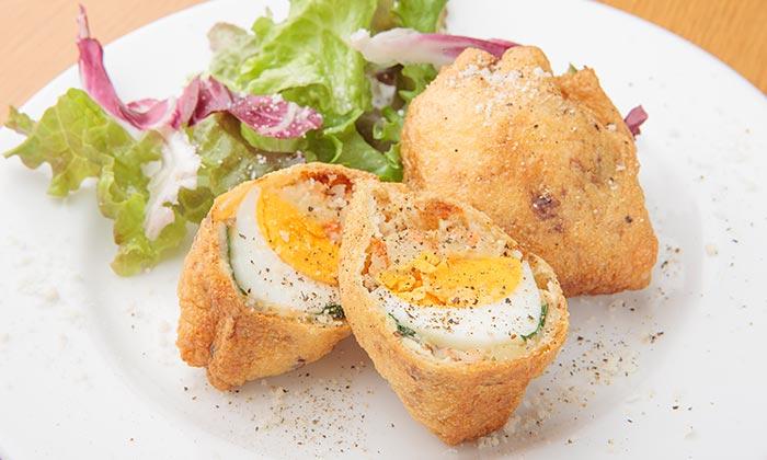 スモークサーモンとほうれん草、ゆで卵のクロケッタのレシピ(作り方)
