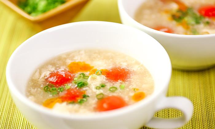 【とにかく簡単】家庭で作れる中華風レシピ「トマトと卵のサンラータン風スープ」