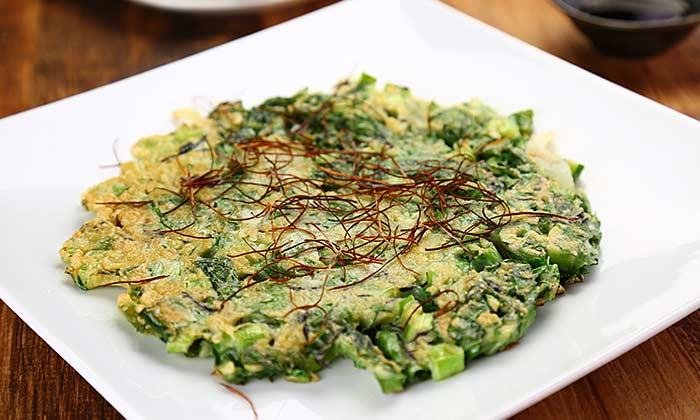 食感を楽しめる「小松菜とひじきのチヂミ」